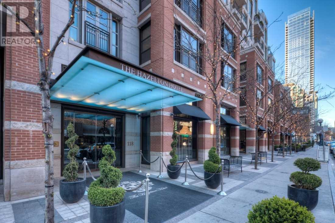 #703 -118 YORKVILLE AVE