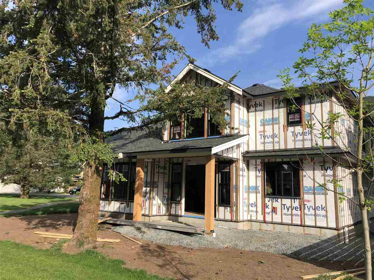 43 1885 COLUMBIA VALLEY ROAD