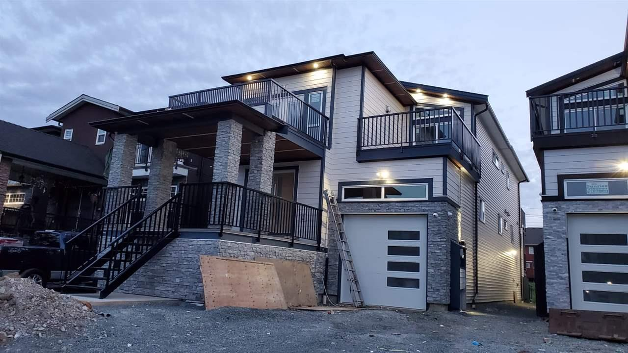 318 LAWRENCE STREET, New Westminster